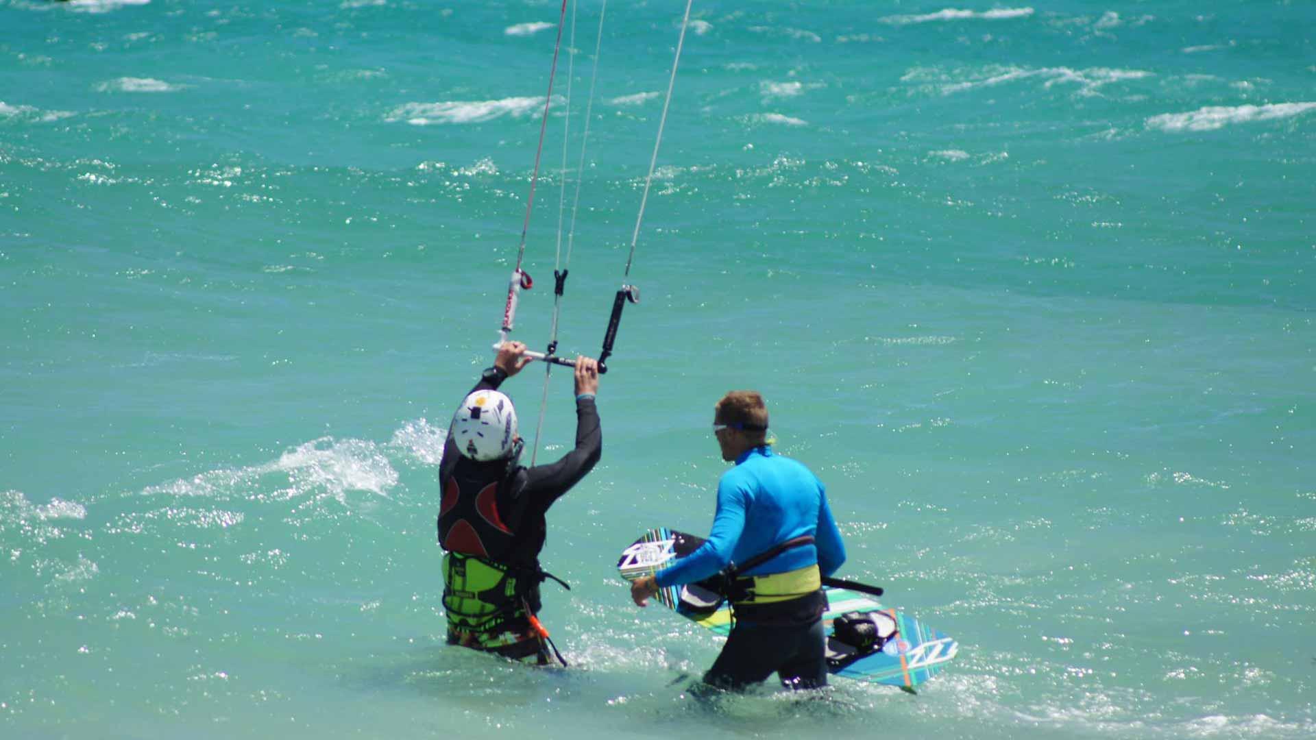kitesurfing_lessons_beginner_A4