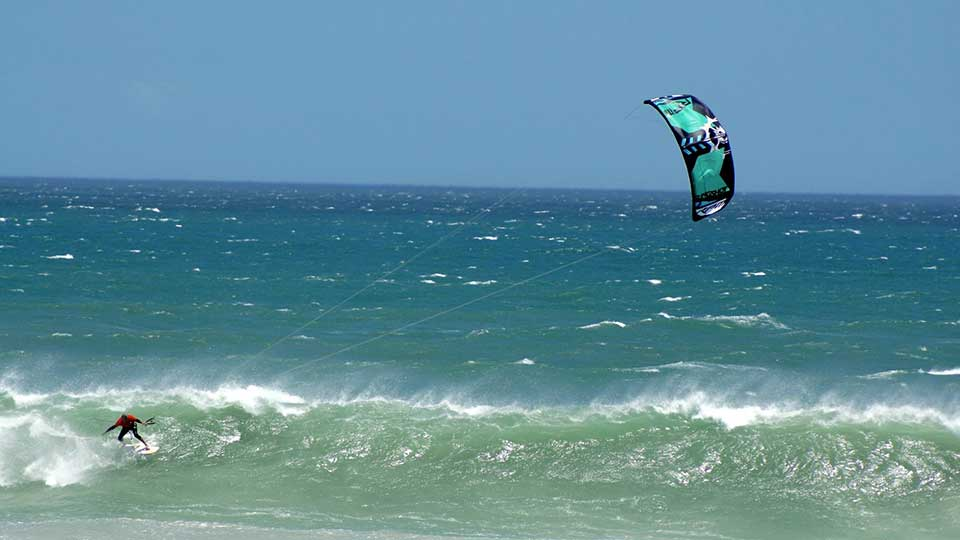 learning wave kitesurfing