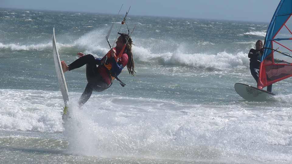 Cape Town wave kitesurfing
